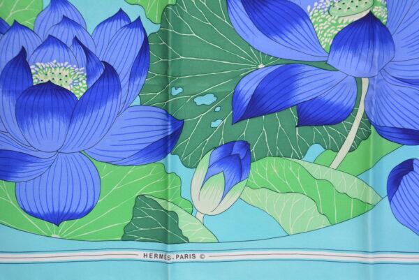 """Foulard Hermès """"Fleurs de Lotus"""""""